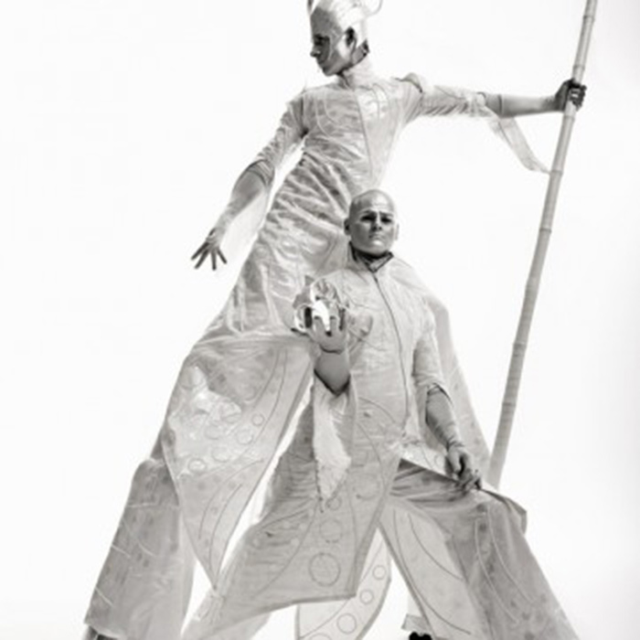 calvos stilt walking act