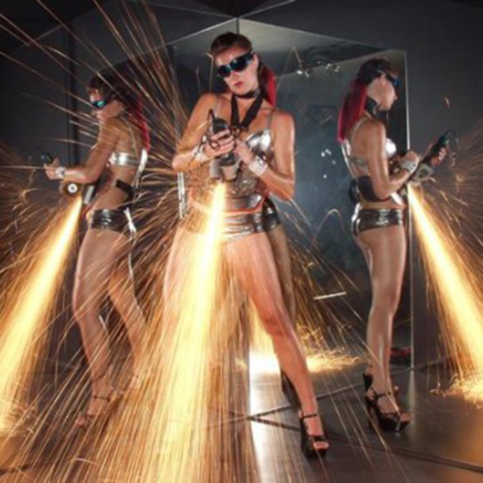 fire angle grinding performers