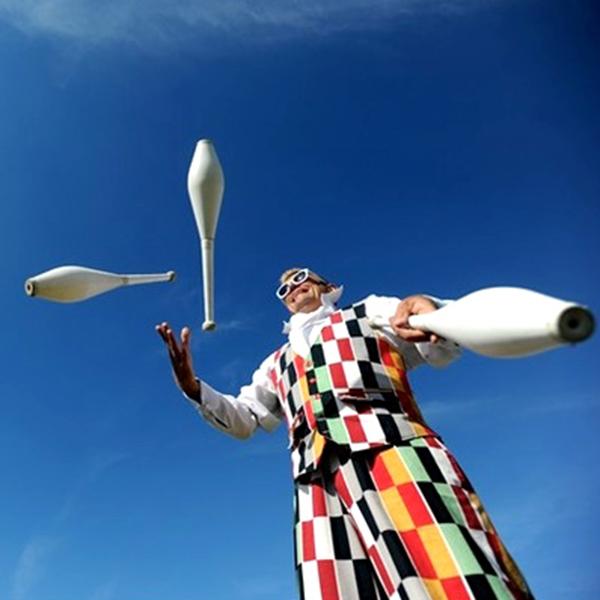 mr watts juggler juggling act