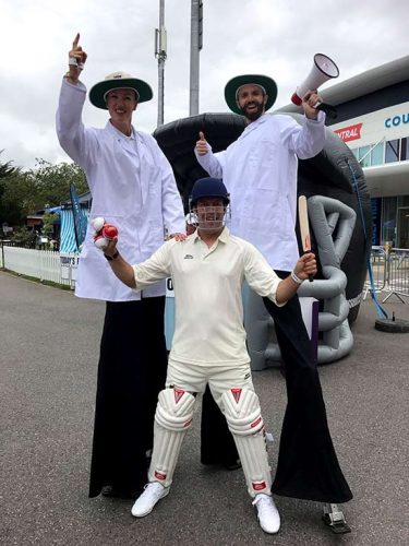 stilt walkers t20 cricket hove sussex